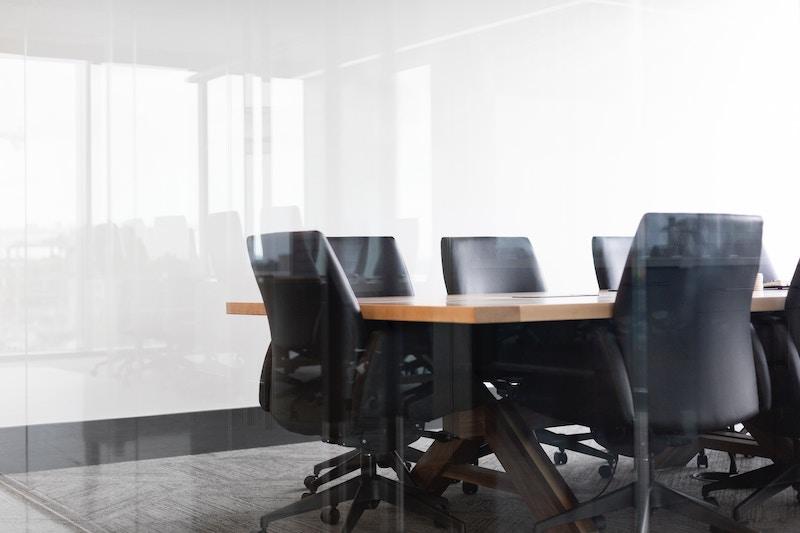 Jörn Reinecke: Fokus auf Bürogebäude